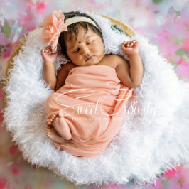 newbonr photography durban,michelles maternity shoot,kc photography props,tutus and bows,backdrop shop,flowers,3weeks old baby girl,pink and white,cody,elaine and aveen lutchman,creative,headpeices,tiny feet
