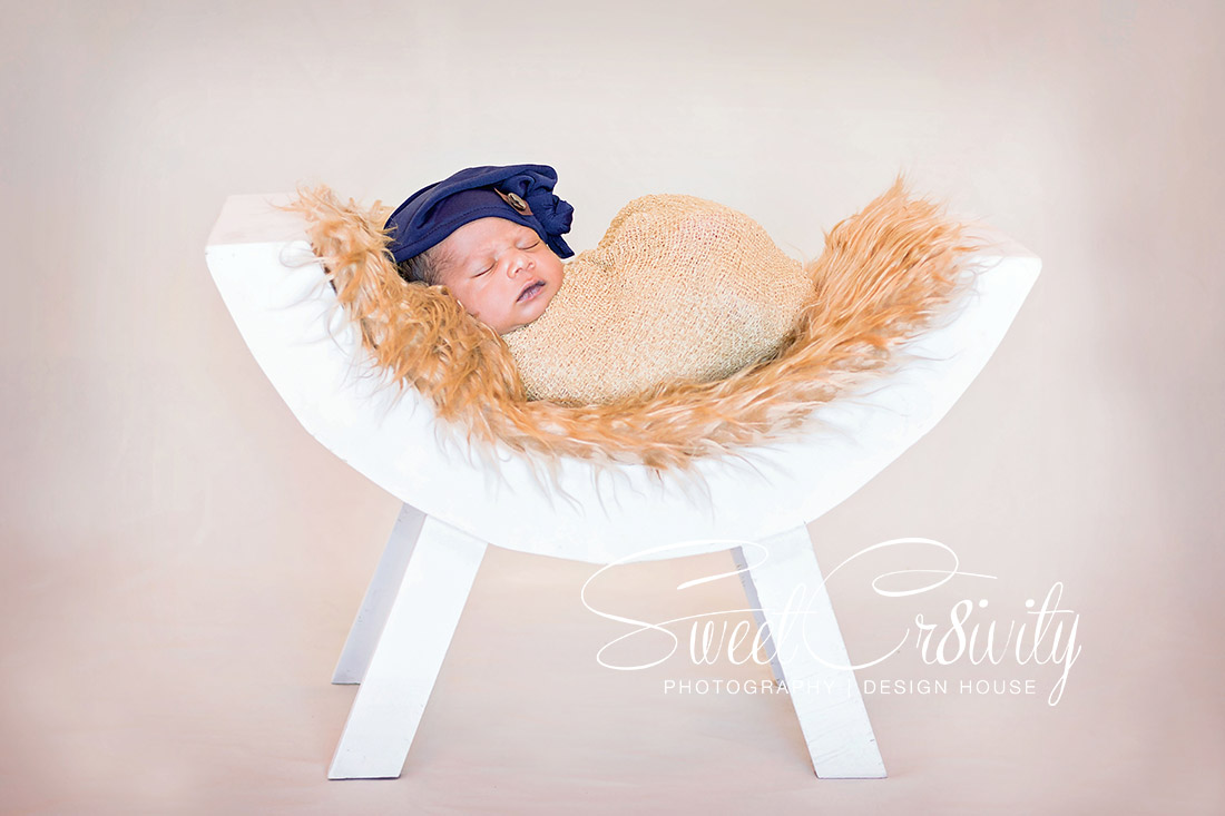 newborn photography, durban,sweetcr8ivity,baby boy,best durban photographers,props,creative,famil,big sister,Zoey