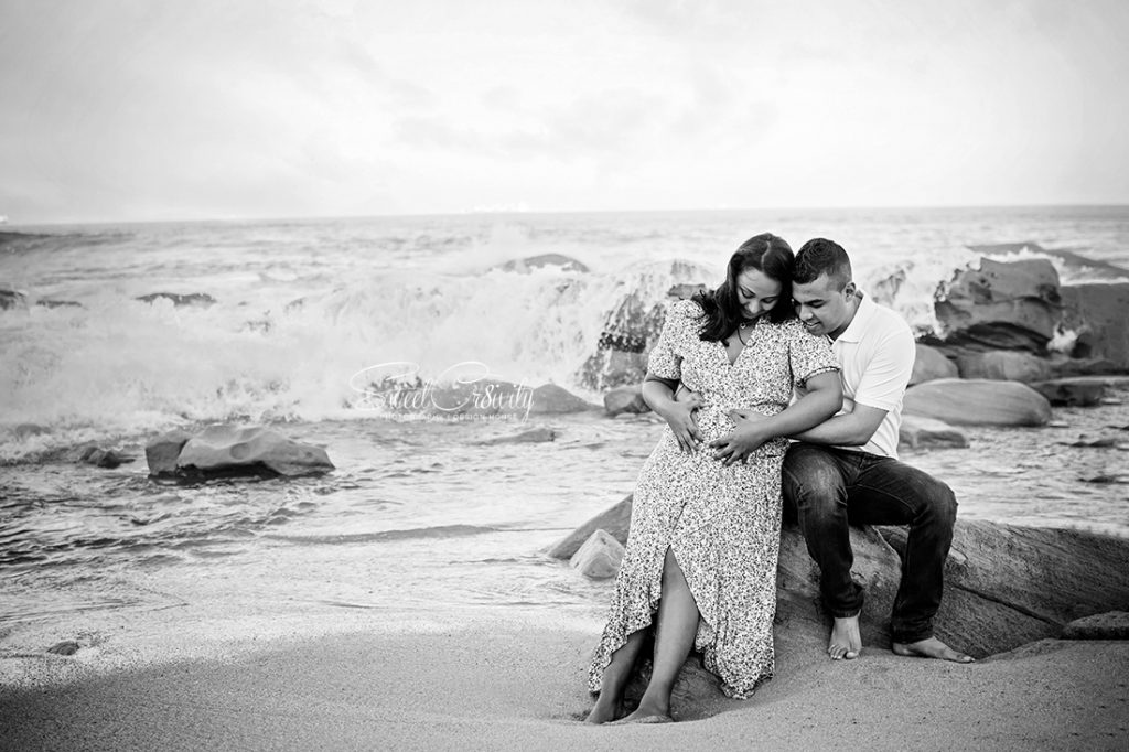 winter sun, sweetcr8ivity, elaine and aveen lutchman, umhlanga beach, mini sessions, best durban photographers, family shoot, its a boy, pregnancy shoot, love, laughter, happiness, little boy, umhlanga pier, creative, sky , rocks