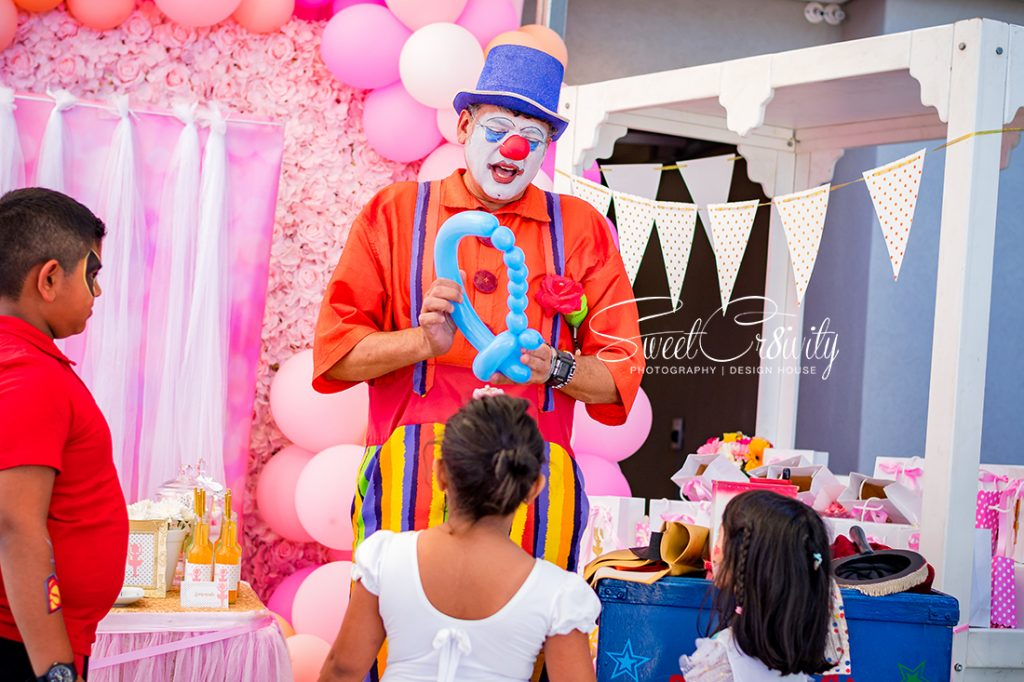 reeja's 7th birthday,sweetcr8ivity,durban party photographers, kiddies parties, cutest party on the block,mumtaz cocoa,ricco the clown,